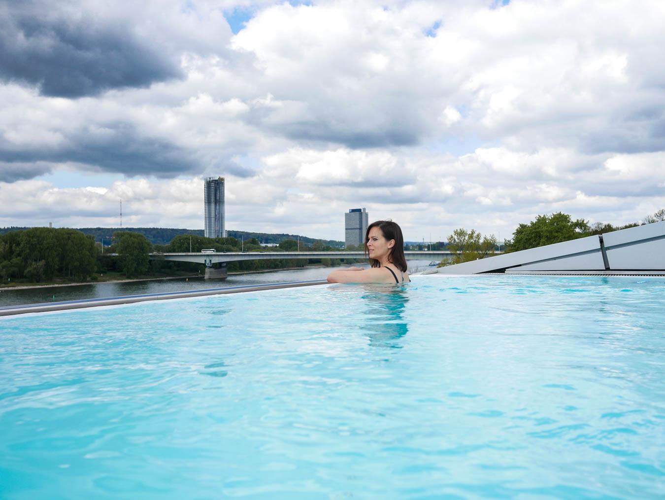 Infinity Pool Kameha Bonn
