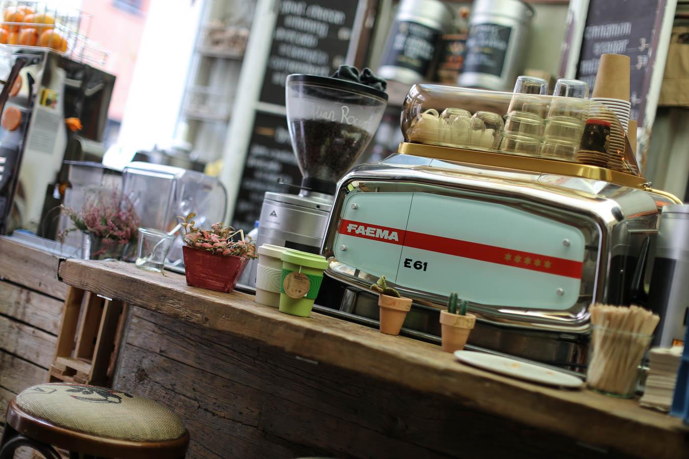 Cafe Hommage K Ef Bf Bdln