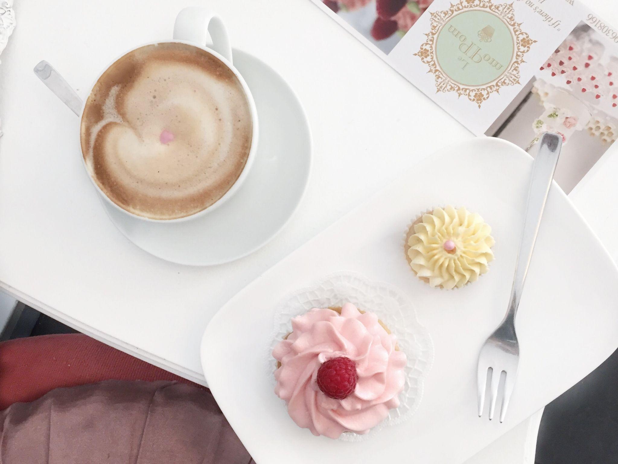 Köln Café Le Pom Pom Cupcakes