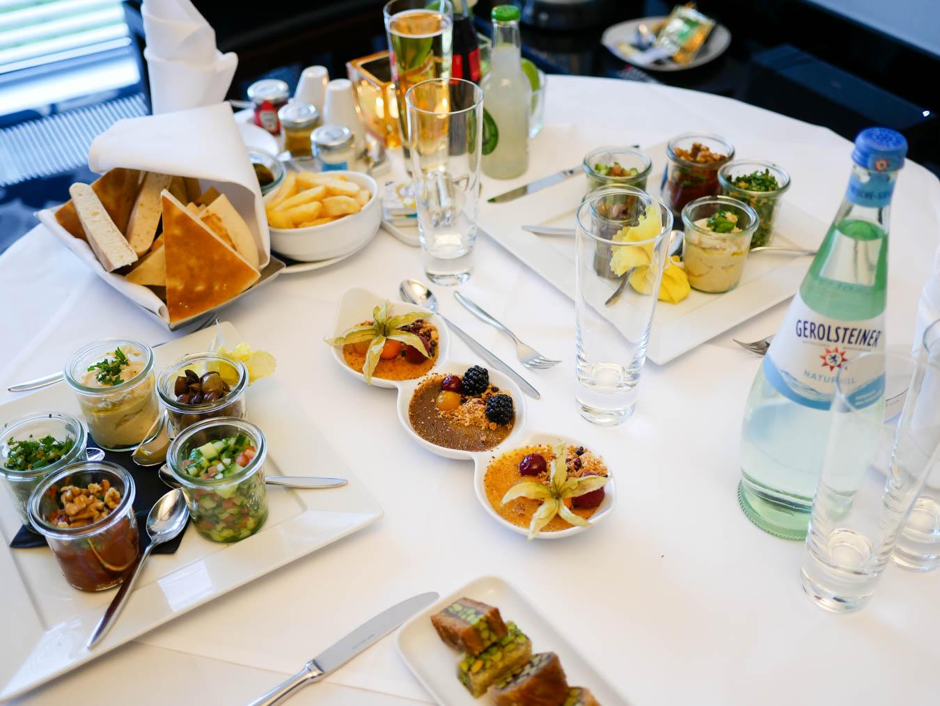 Dinner und Room Service - Test Kameha Grand Hotel