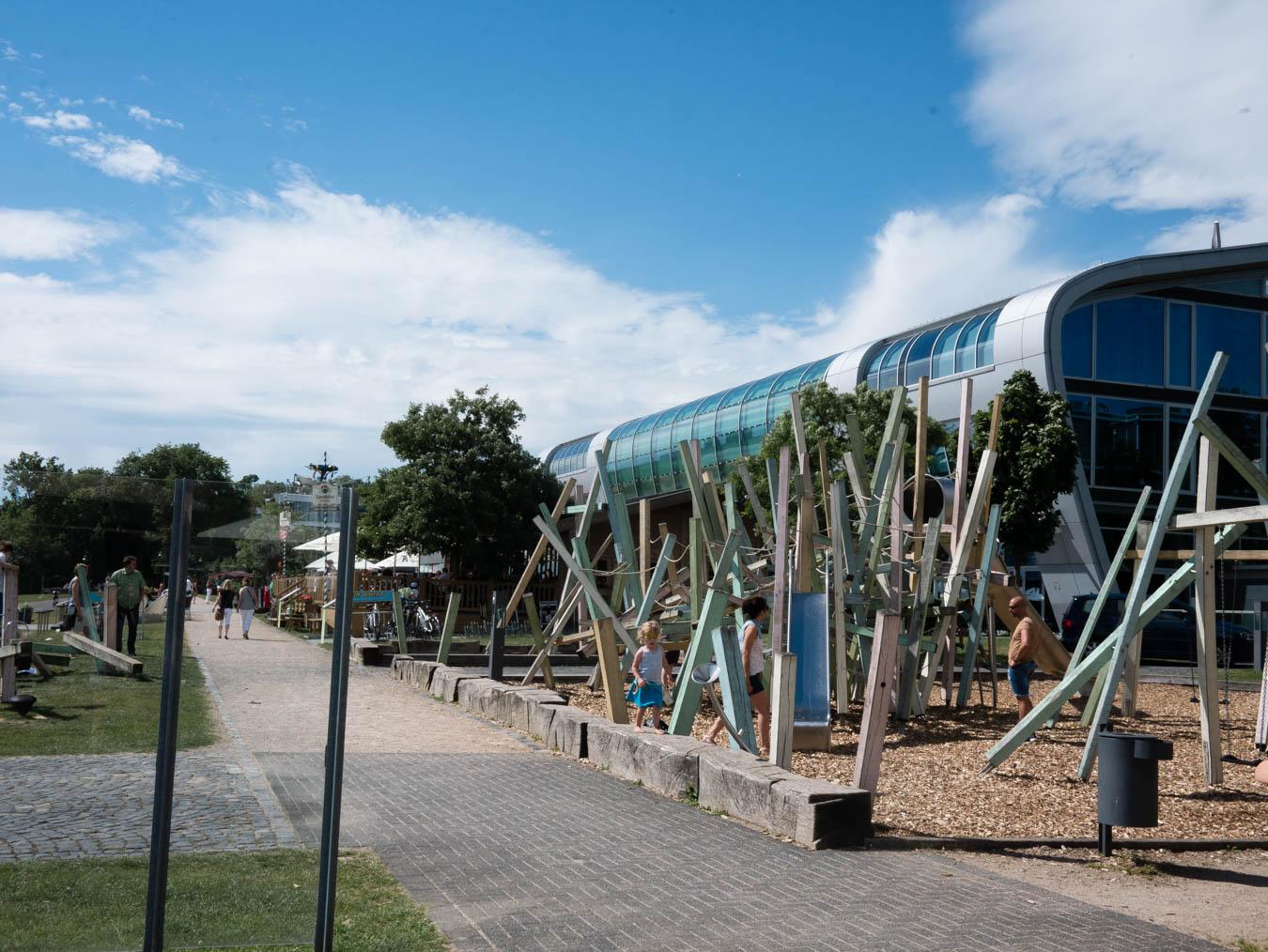Familienfreundliches Kaffee mit Spielplatz Bonn