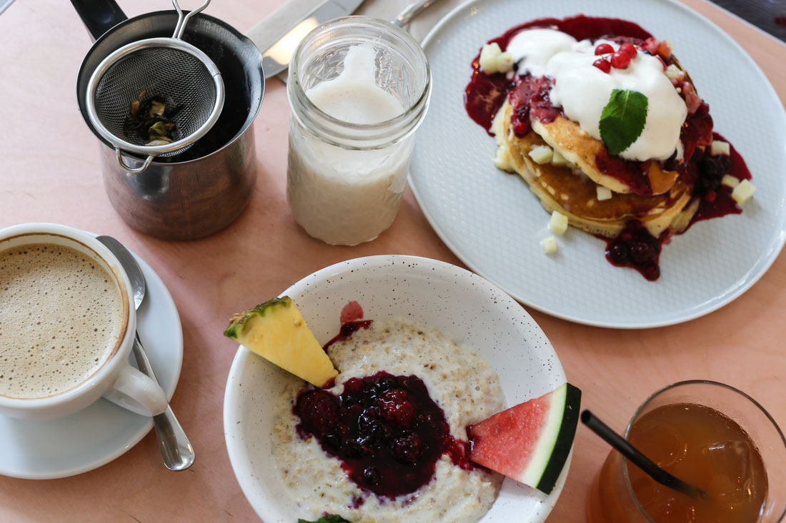 #Köln | Mit T-Rex Hunger im Kaffeesaurus. Café & Rösterei am Friesenplatz.
