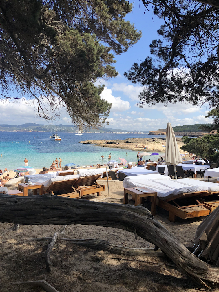 Cala Bassa Beach Club (CBbC)