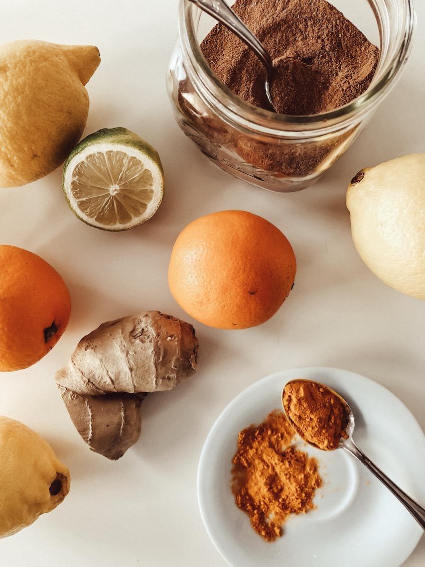 Immun-Booster für die Grippezeit. Kurkuma, Zimt, Lemon & Co.